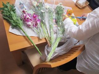 散骨の花の盛り付けもご一緒に