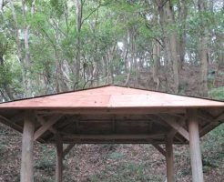 東屋の屋根