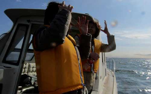 立会いチャーター海の散骨風景